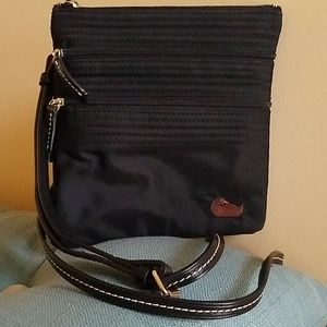 LIKE NEW DOONEY & BOURKE 3 Pocket Black Beauty!